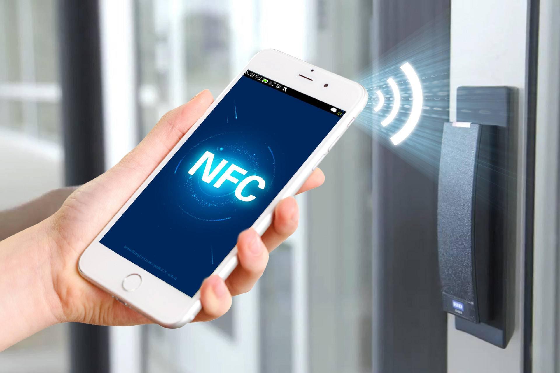 Чтобы поставить nfc модуль на смартфон, воспользуйтесь сим-картой со встроенным чипом