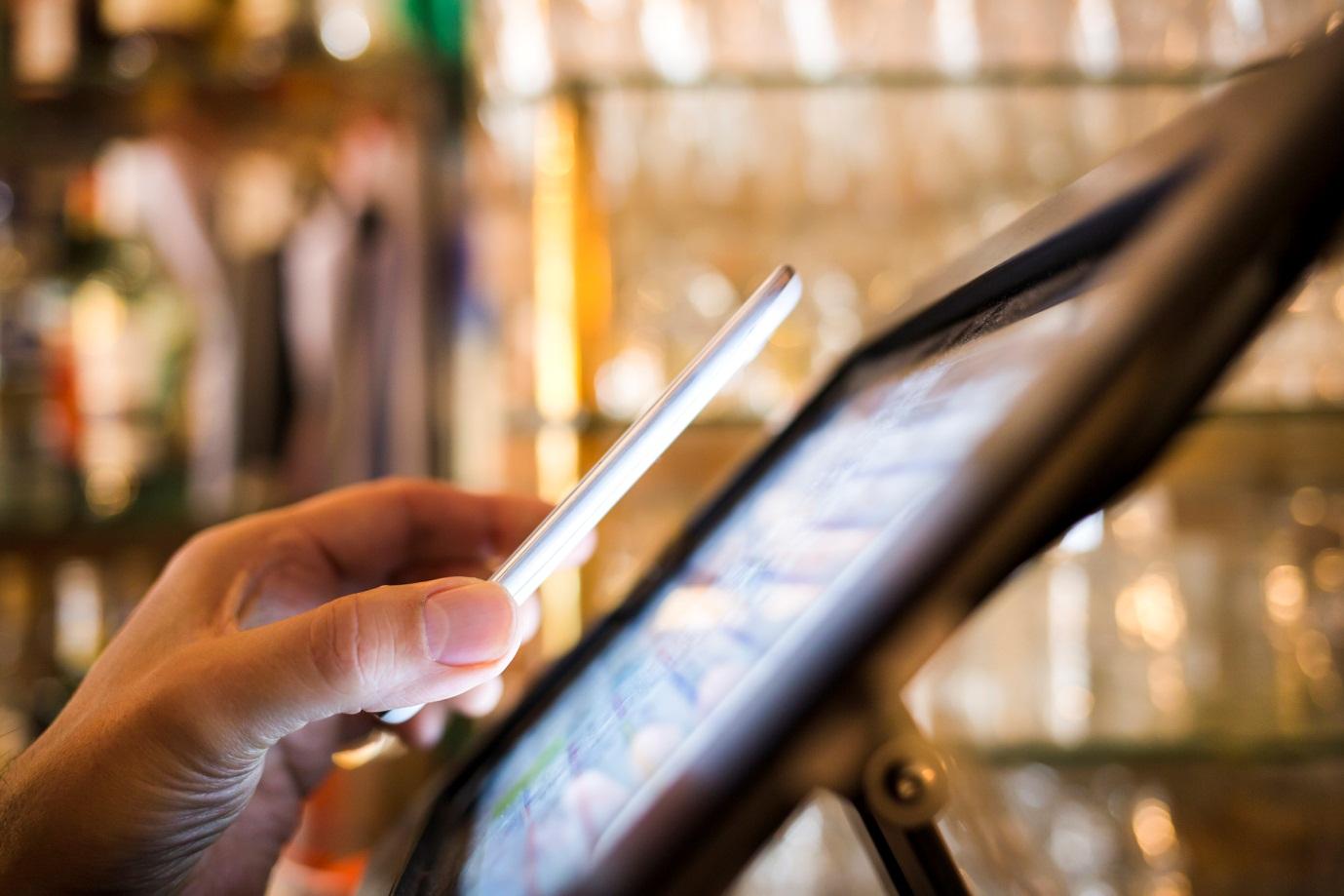 Работа НФС в смартфоне основывается на общепринятых стандартах безопасности