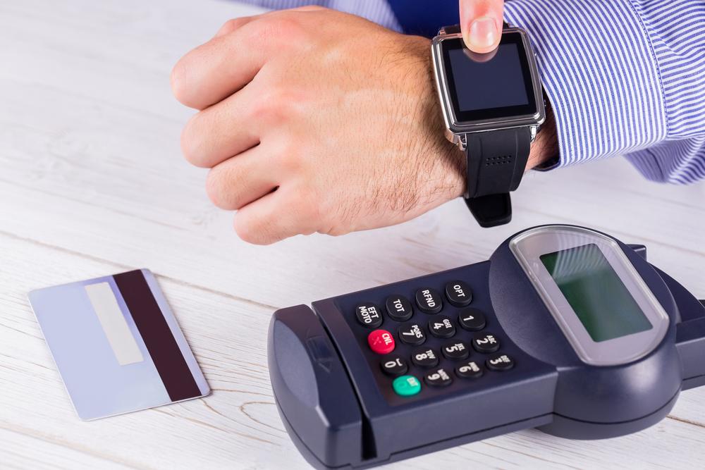 Умные часы с NFC-модулем для оплаты