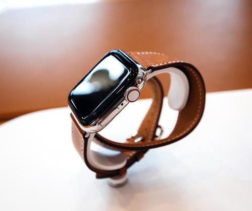 Siri наApple Watch: работа смобильным помощником